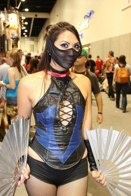kitana cosplay