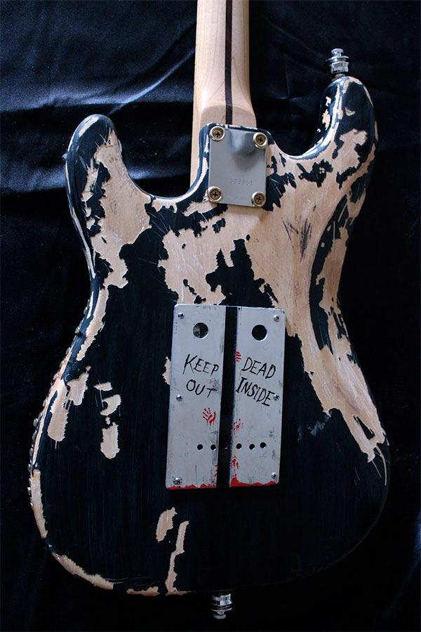 guitare-zombie-03